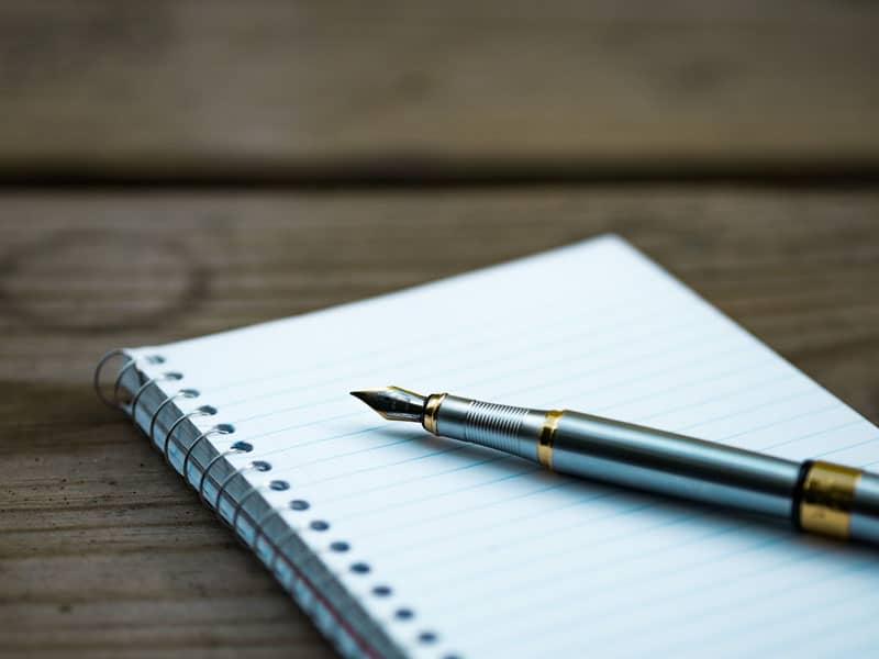 hera ediciones bolígrafo y cuaderno